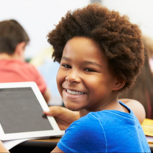 OneNet Technology - student with tablet